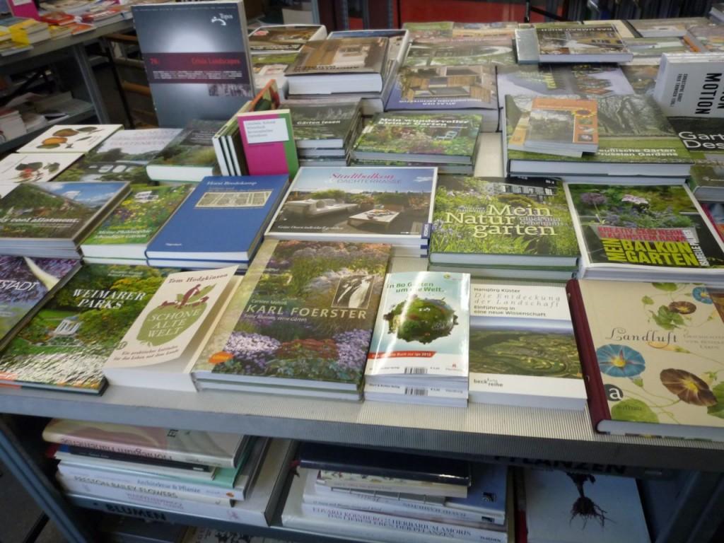 Her kan du blandt andet finde nye bøger om fænomenet Urban Farming.