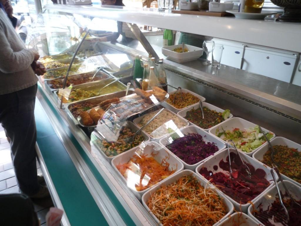 Udvalget af kolde og varme vegetarretter er stort hos Seerose i Berlin.