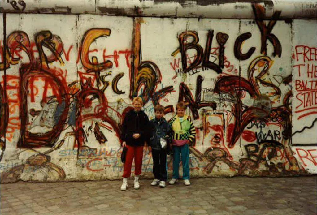 Foran Berlinmuren i 1989