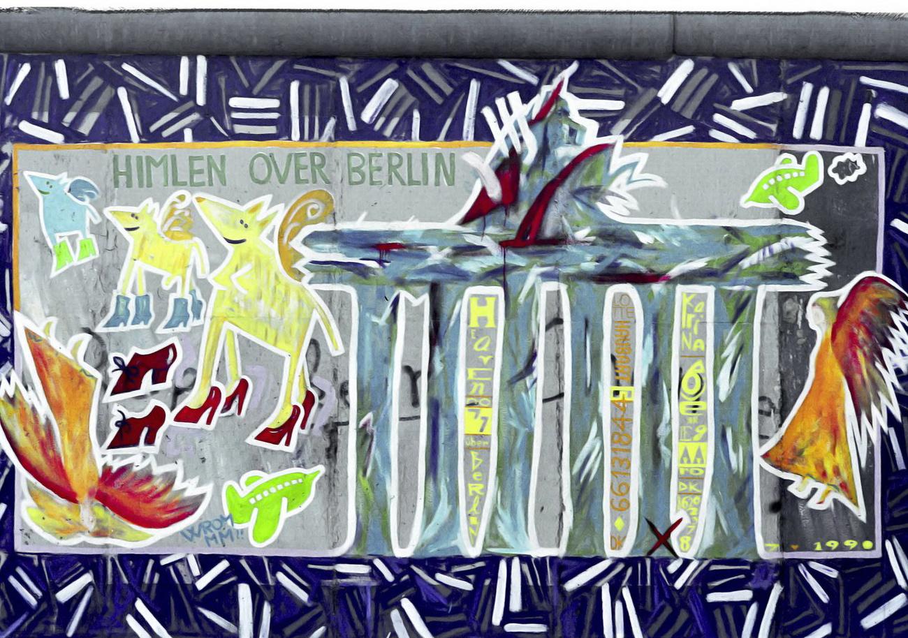 """""""Himlen over Berlin"""" i den første udgave fra 1990. Maleriet er skabt af de danske kunstnere Lotte Haubert og Karina Bjerregaard. Foto venligst udlånt af kunstnerne."""