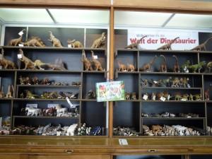 Butikken i Naturhistorisk Museum er et slaraffenland for enhver dinosaur-interesseret dreng ellerpige.